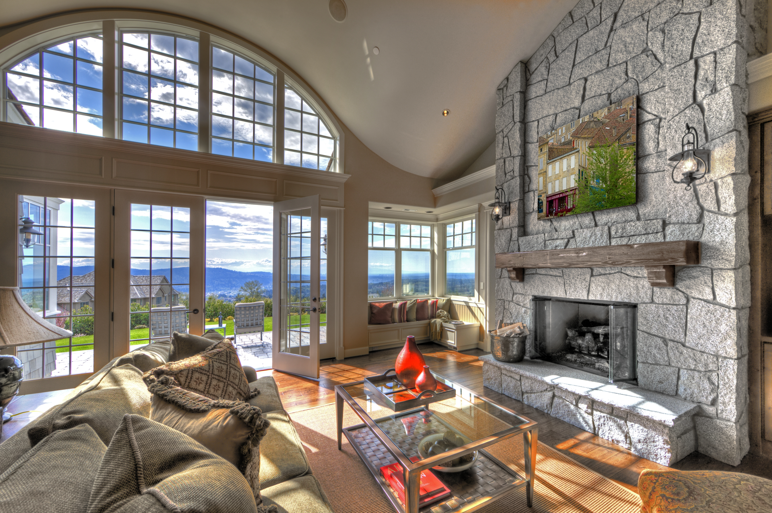 http://www.heritagehomedesign.ca/wp-content/uploads/2014/03/Cape-Cod-living-room.jpg